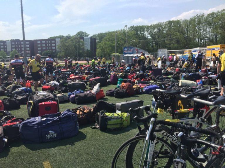 Fahrradtour mit vielen Teilnehmern